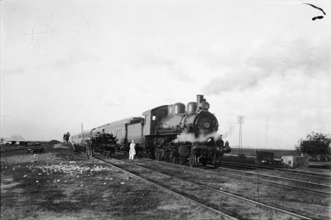 To_Sinai_via_the_desert._Train_crossing_the_Sinai_Desert,_Jerusalem-Kantara